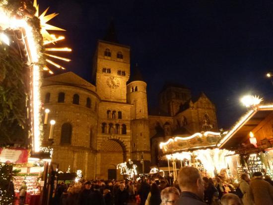 Weihnachtsmarkt In Trier.Weihnachtsmarkt Trier 2016